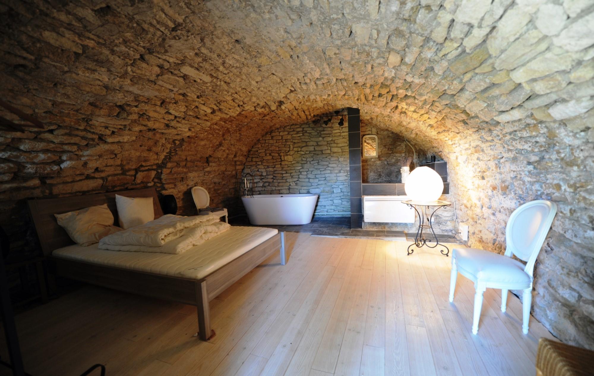 Maison de village à vendre en Luberon  avec jardin, piscine et vue panoramique