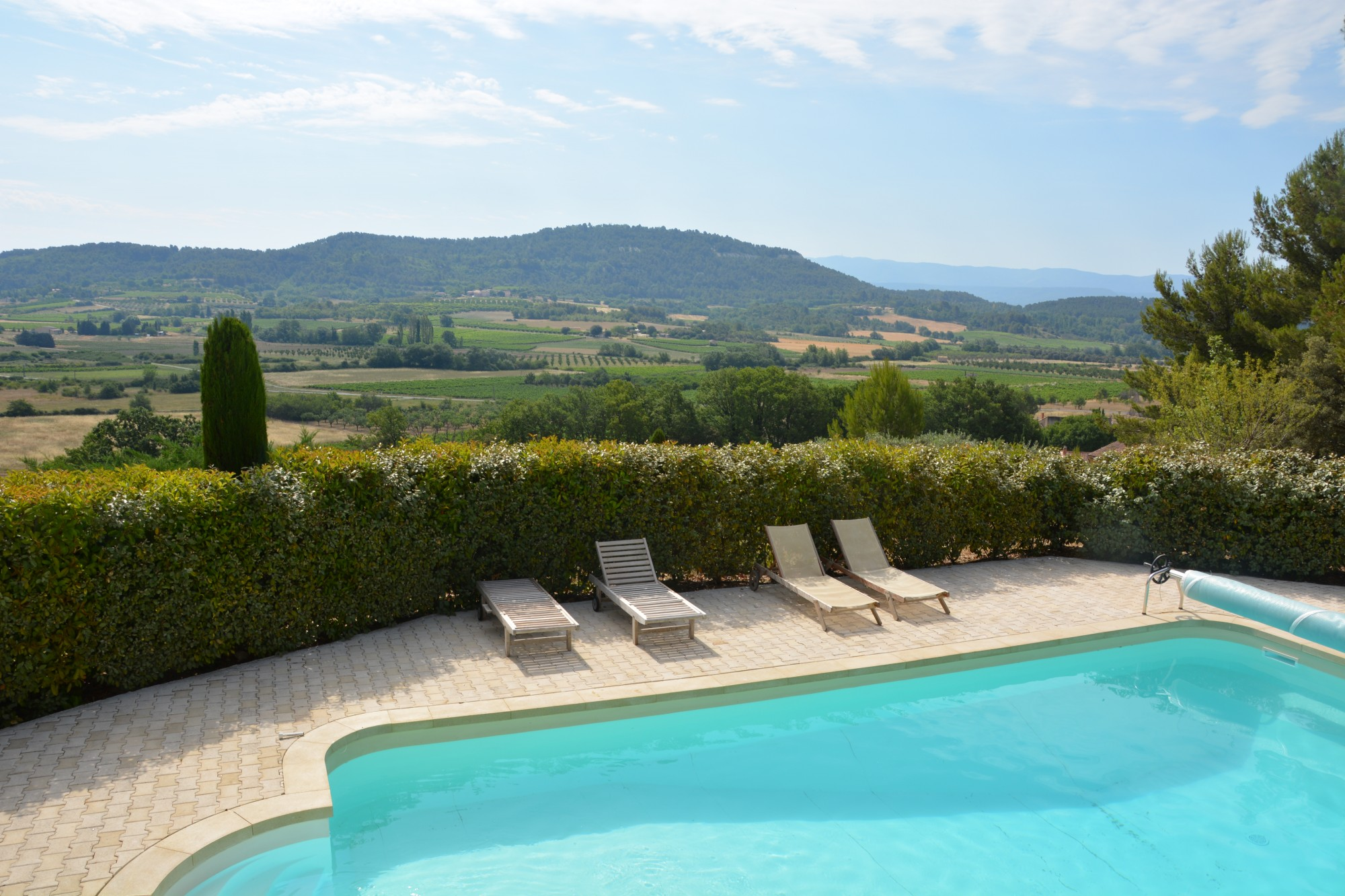 Camping luberon avec piscine camping luberon bergerie for Camping mimizan avec piscine