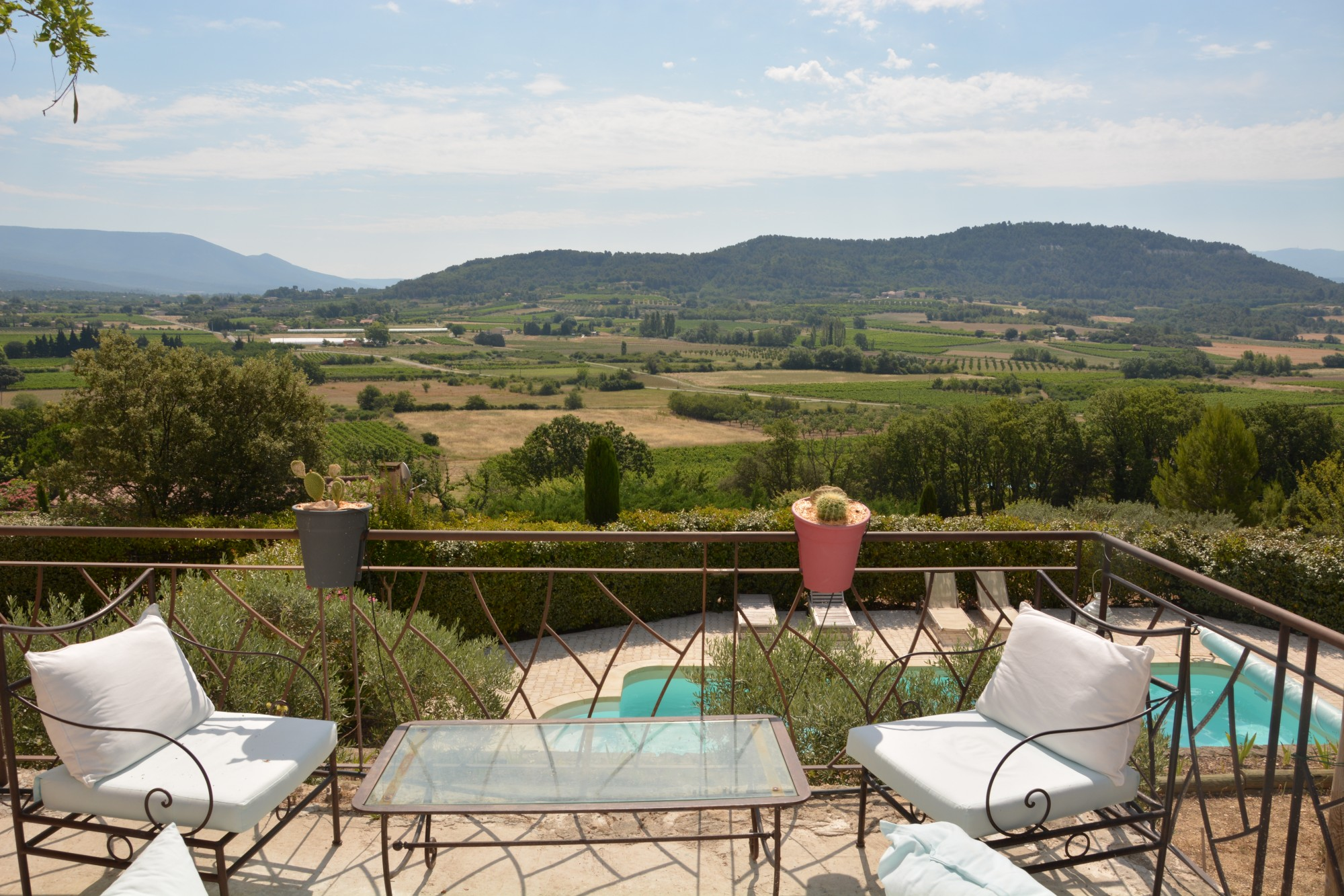 Ventes luberon belle villa avec piscine sur plus de 3 000 for Camping luberon avec piscine