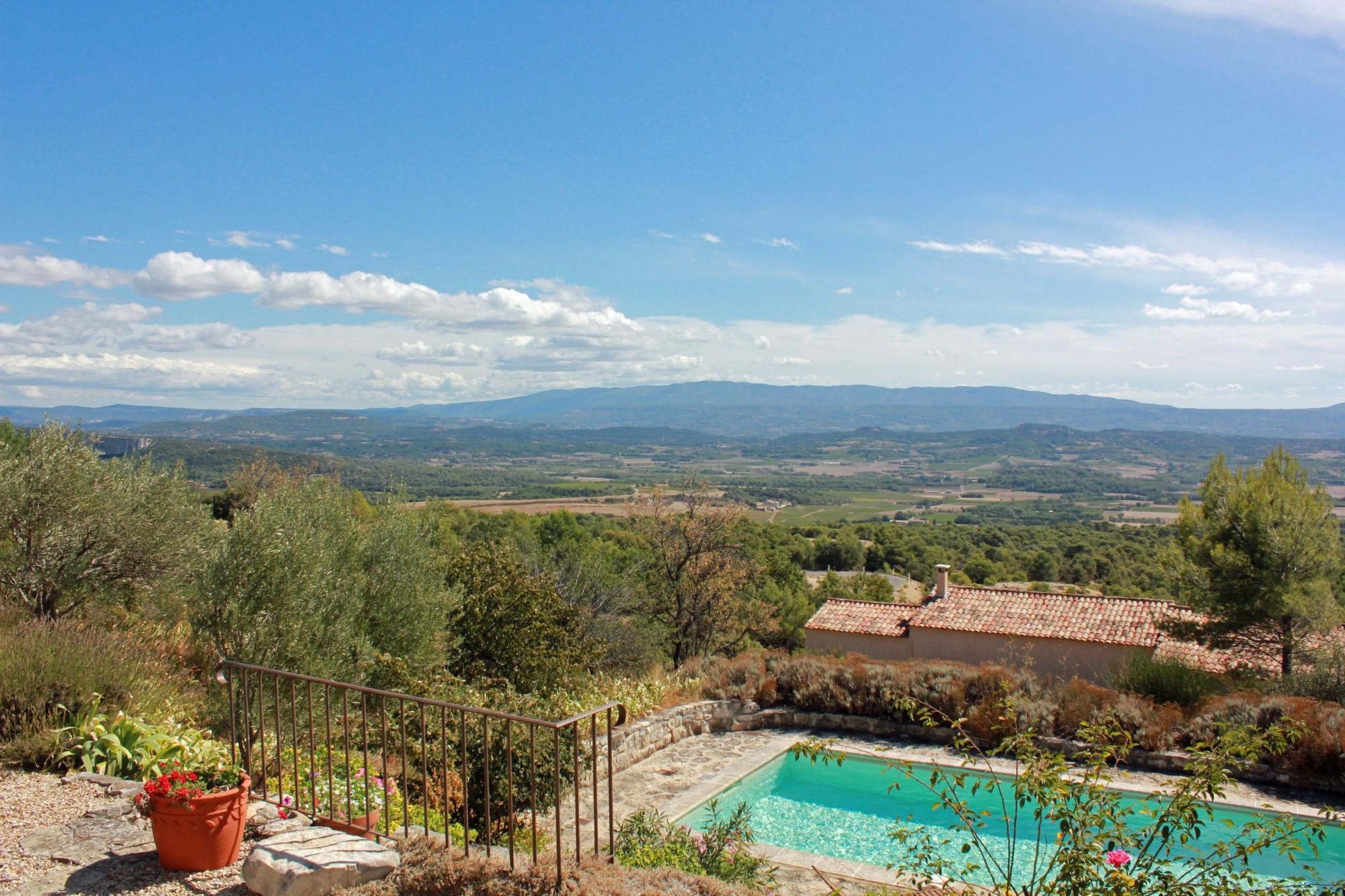 Maison contemporaine à vendre avec vues sublimes sur le Luberon
