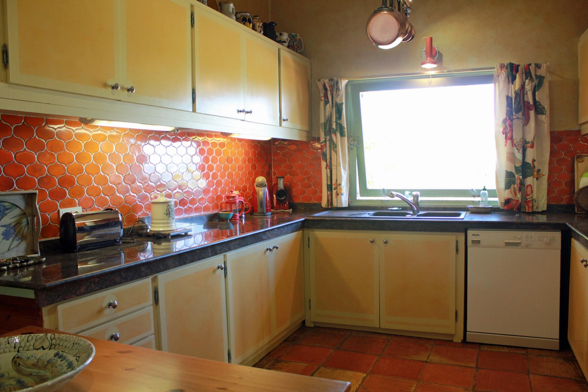 Maison contemporaine à vendre à Gordes avec vues remarquables