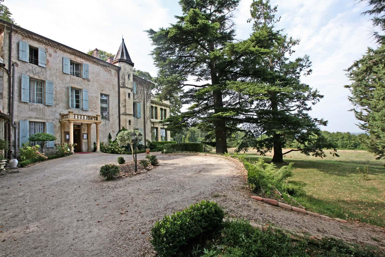 Château du XVIe siècle à vendre en Drôme Provençale