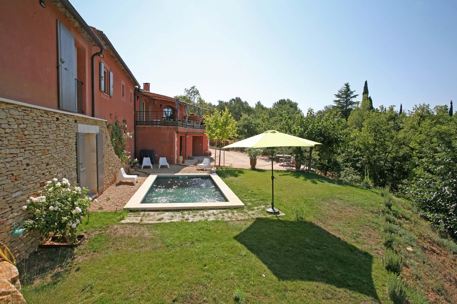 Maison avec piscine à vendre