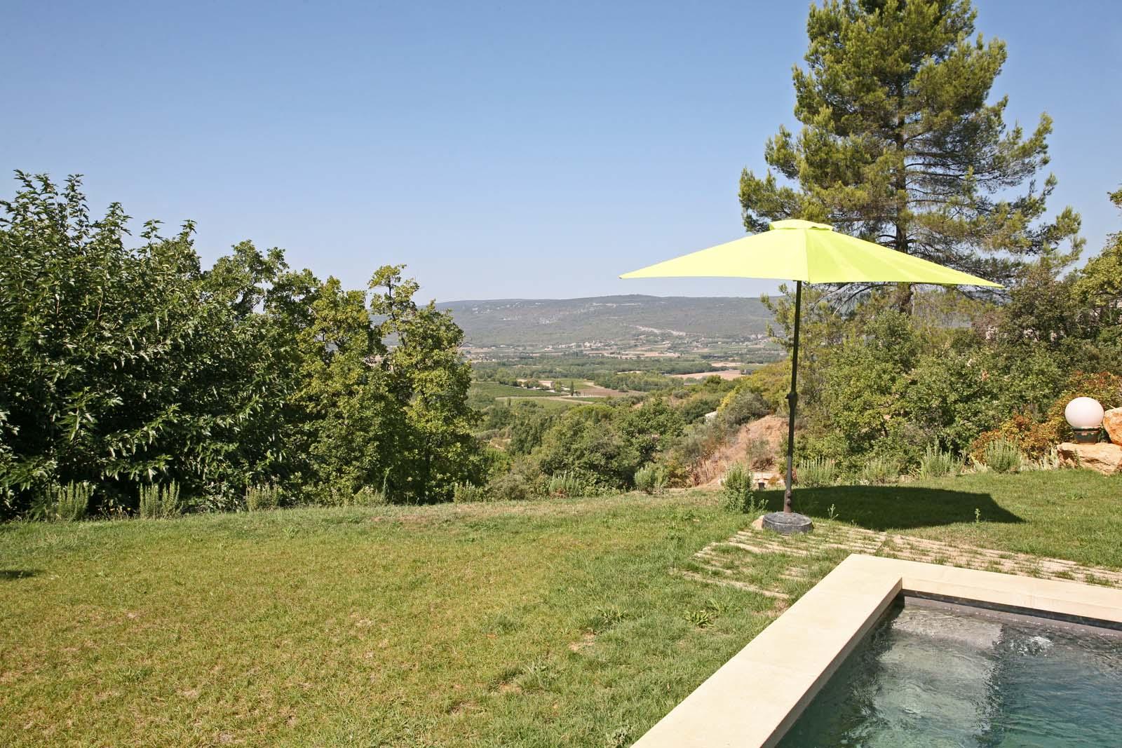 Maison avec piscine et belle vue à vendre