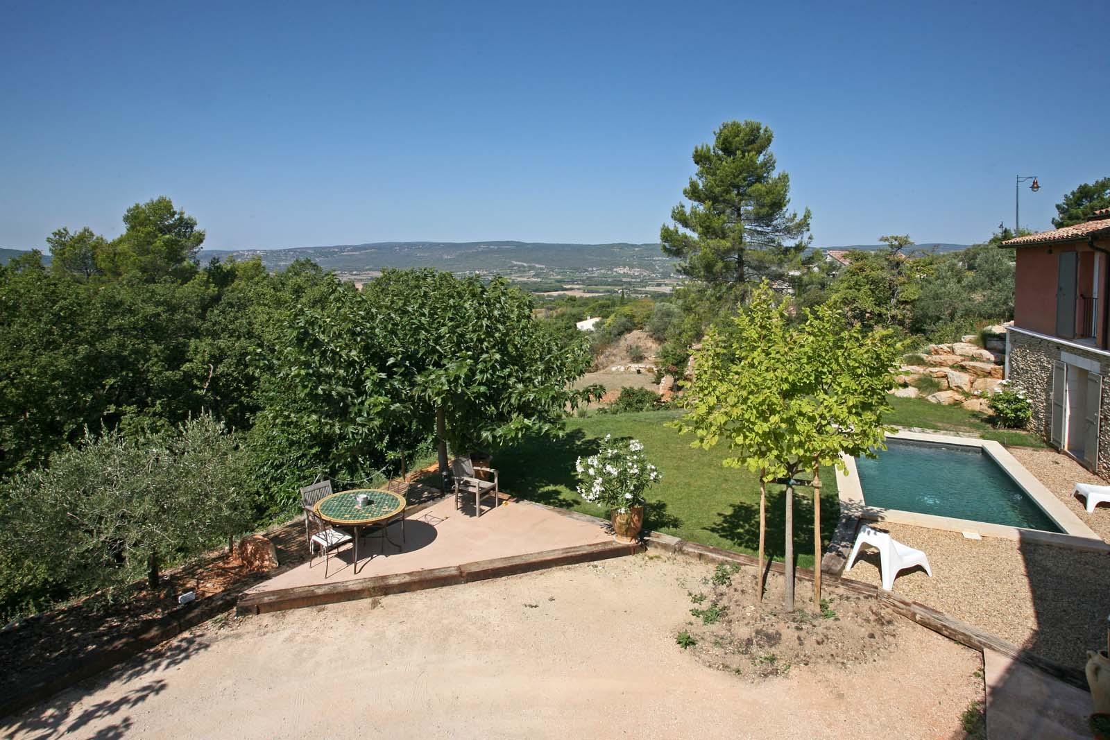 Maison avec piscine et belle vue à vendre en Luberon