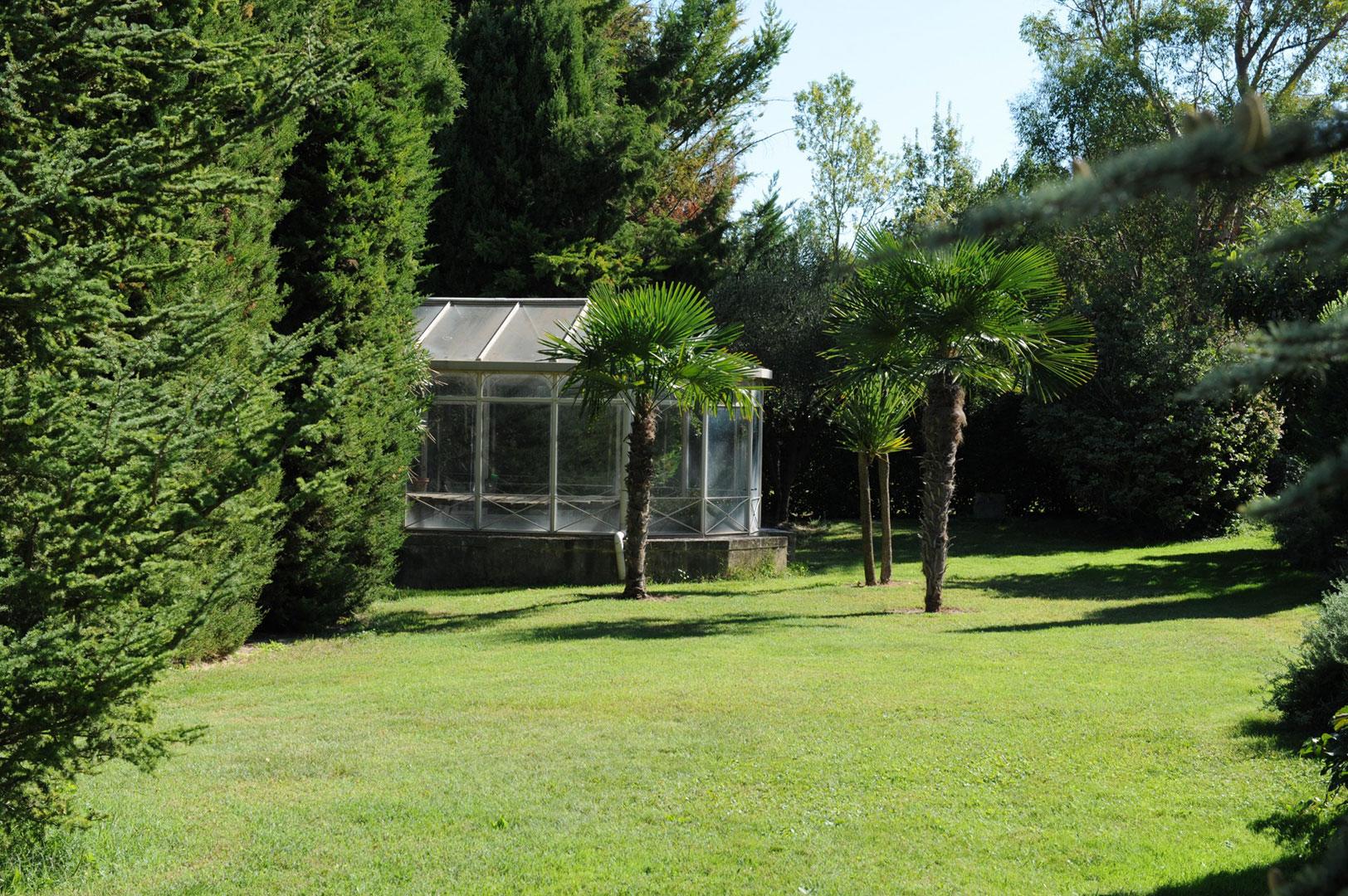 Rare propriété d'agrément sur plus de 5 hectares à vendre dans les Alpilles
