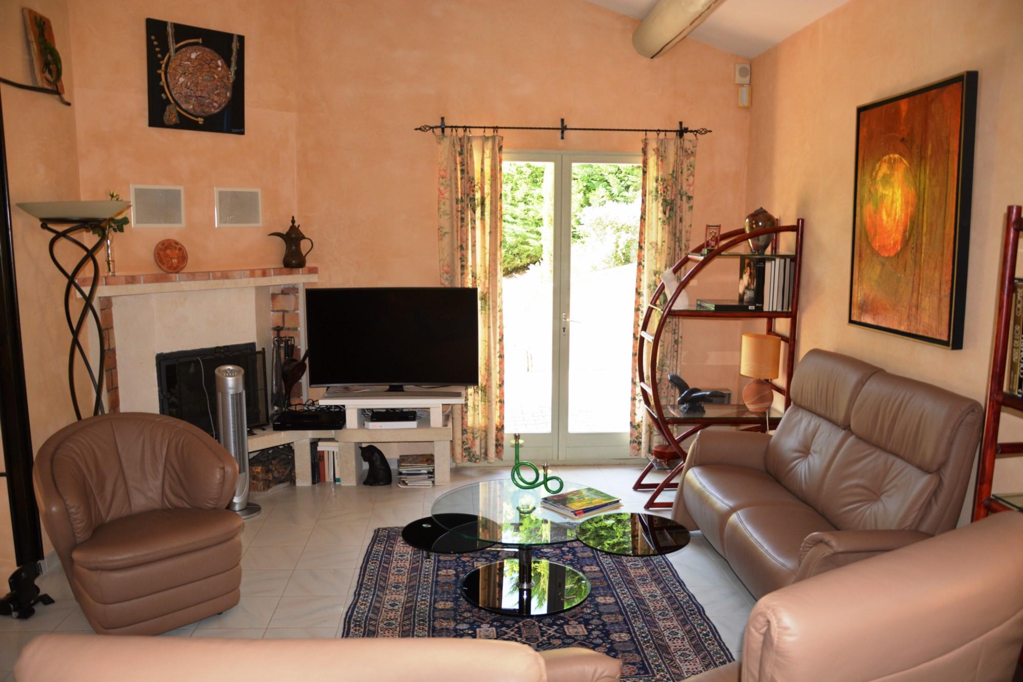 Villa à vendre dans le Luberon avec vues panoramiques