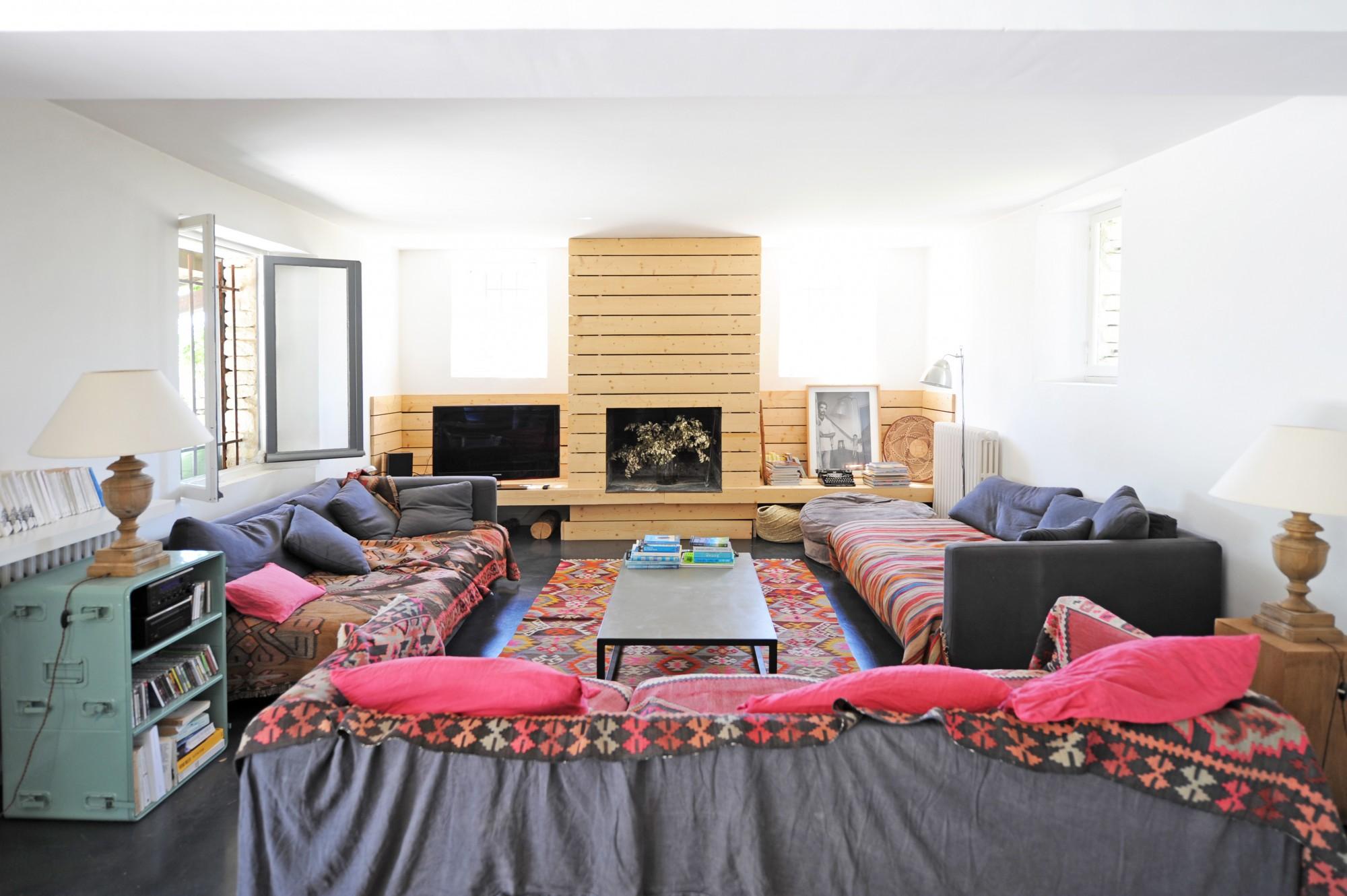 ventes maison de charme avec int rieur contemporain vendre en luberon agence rosier. Black Bedroom Furniture Sets. Home Design Ideas