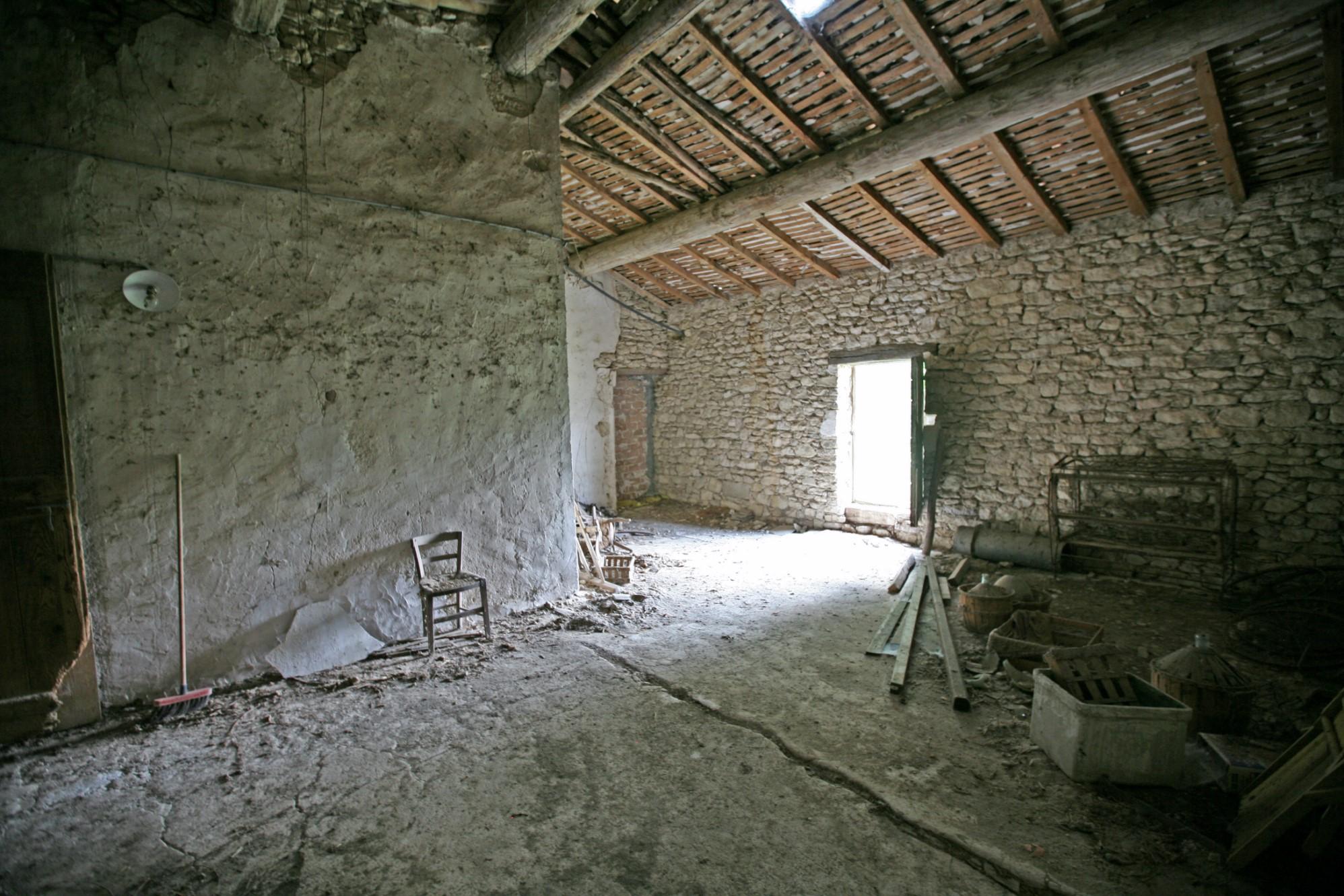 Ferme à rénover à vendre en Provence