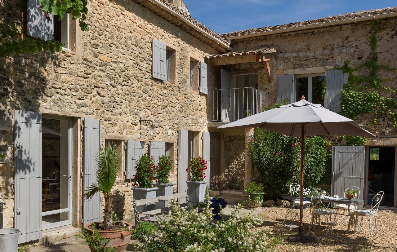 Mas restauré avec goût à vendre en Provence
