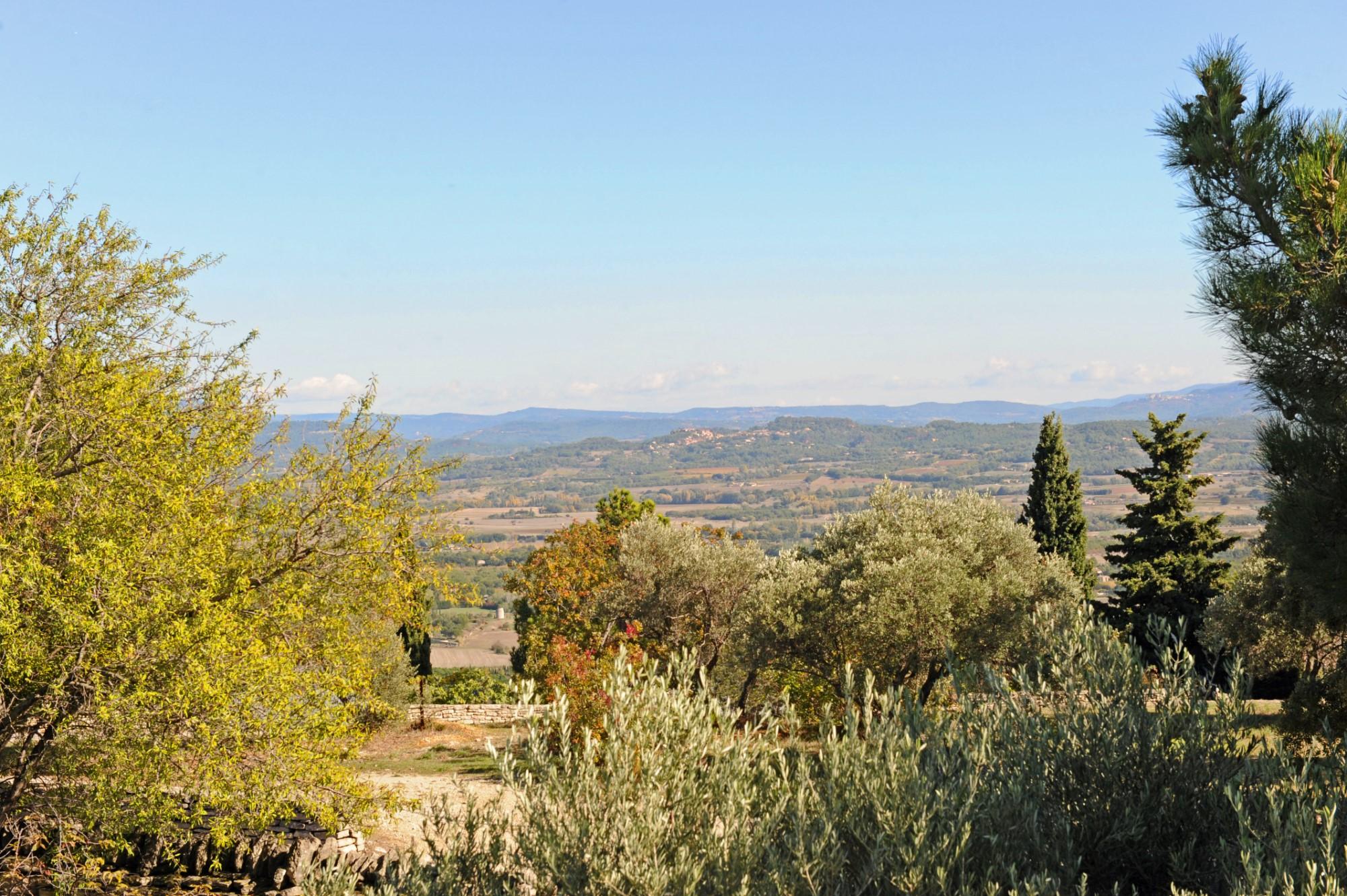 Propriété en pierre avec vue sur le Luberon à vendre par ROSIER