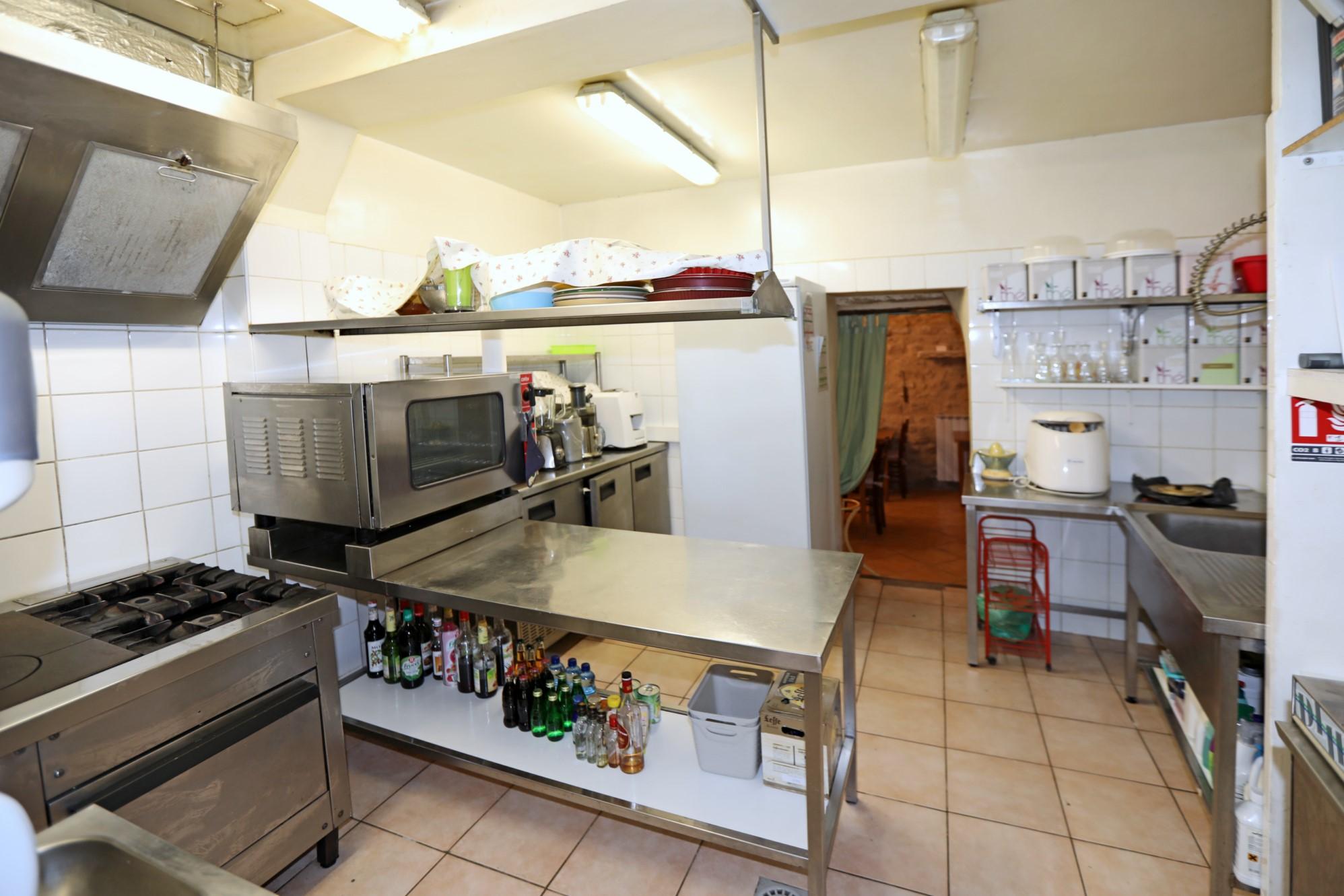 Maison de village avec restaurant à vendre en Provence