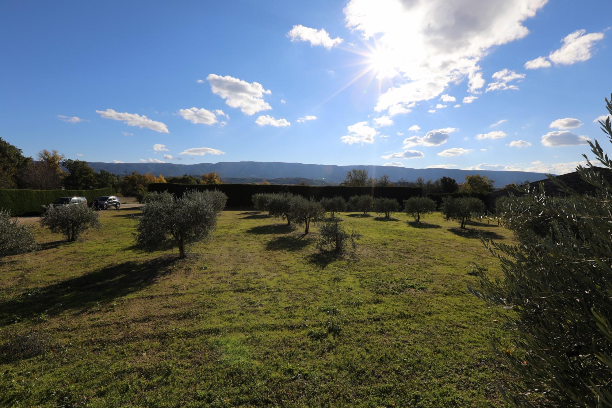 Terrain constructible avec vue à vendre en Provence