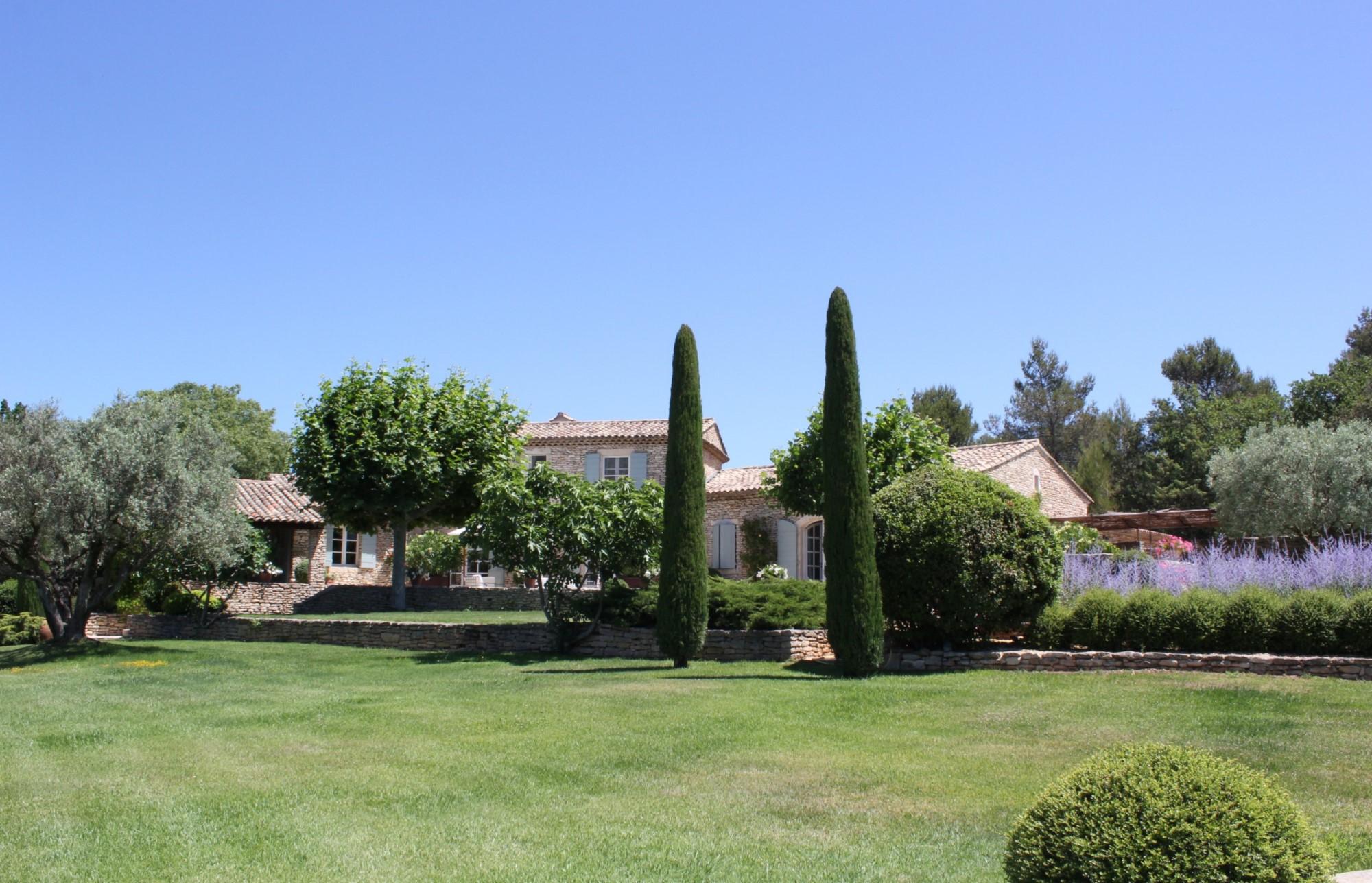 Propriété à vendre avec maison principale et maison d'amis en Provence