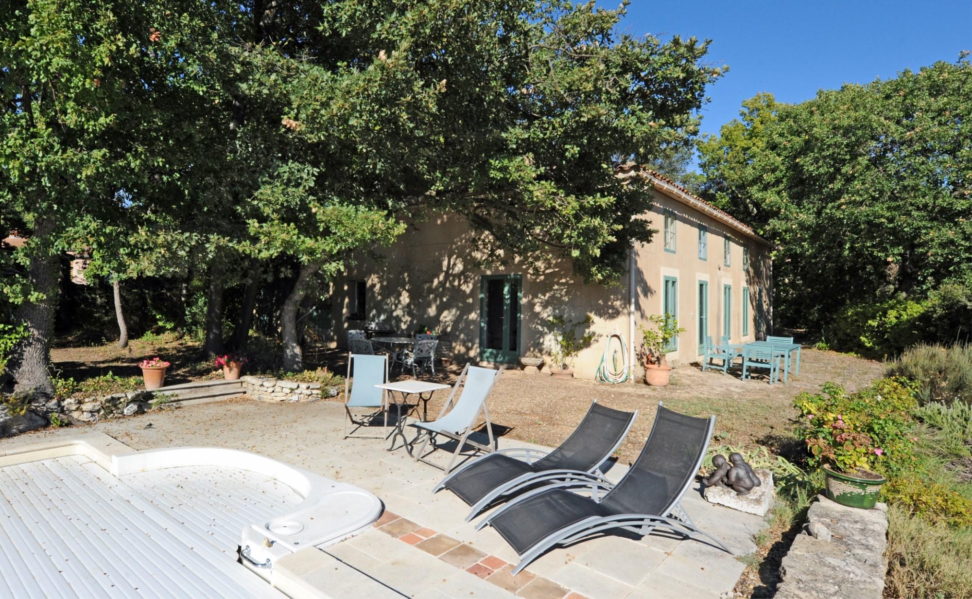 Bastide avec dépendance à vendre en Provence