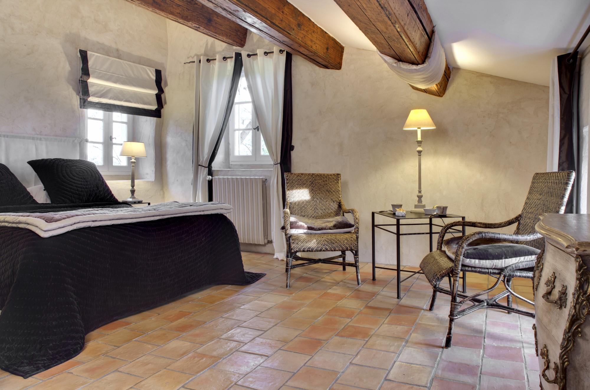 Chambres d'hôtes à vendre par ROSIER dans les Alpilles