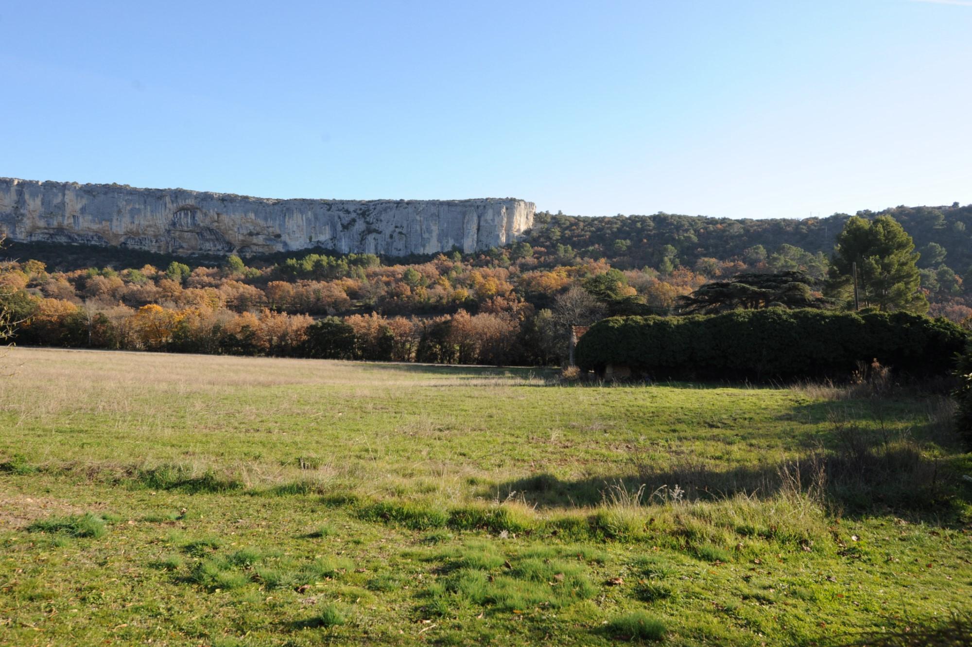 Maison de hameau avec vue au coeur du Luberon