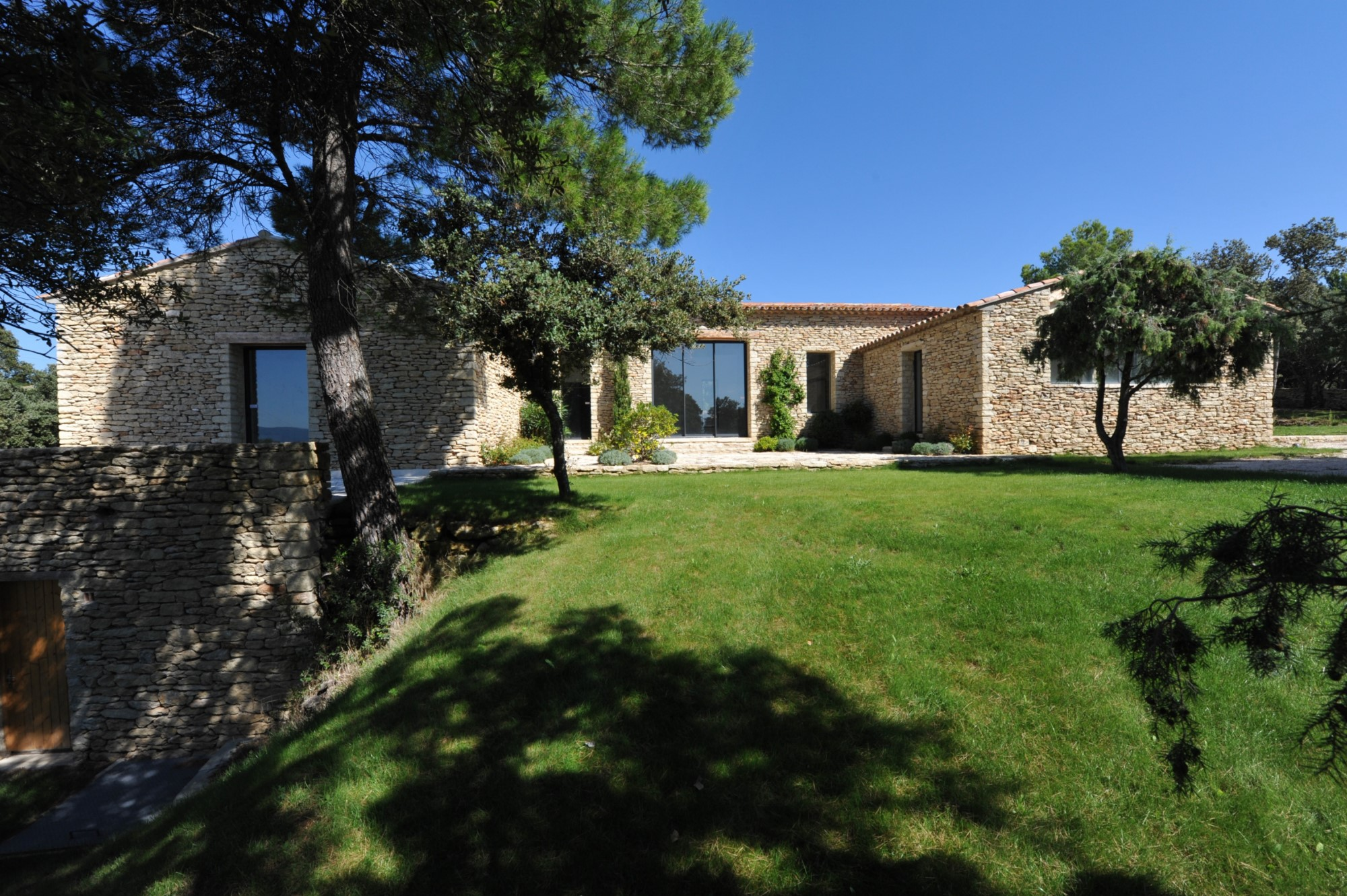 Maison contemporaine à vendre à Gordes