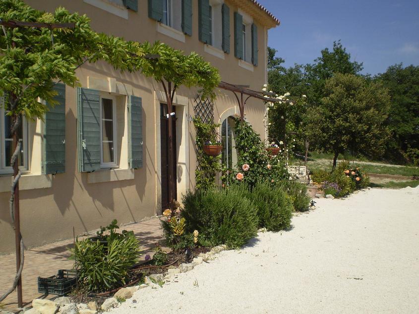 Bastide avec dépendances en Provence