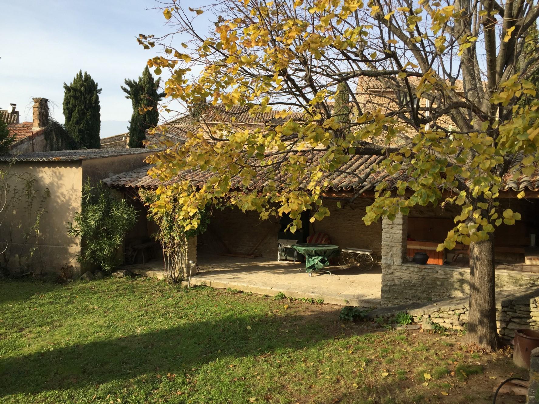 Maison de village avec jardin en Luberon