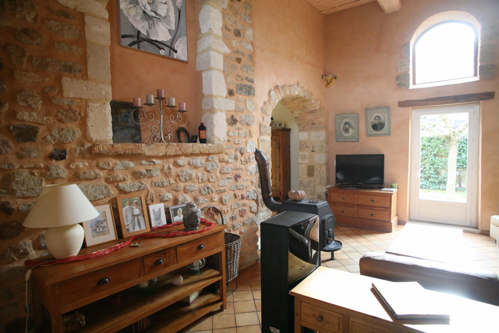 Maisons de hameau au pied du Luberon