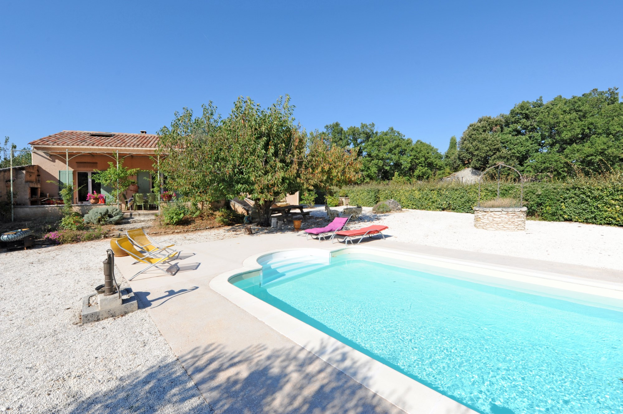 Camping luberon avec piscine camping luberon bergerie for Camping montagne avec piscine