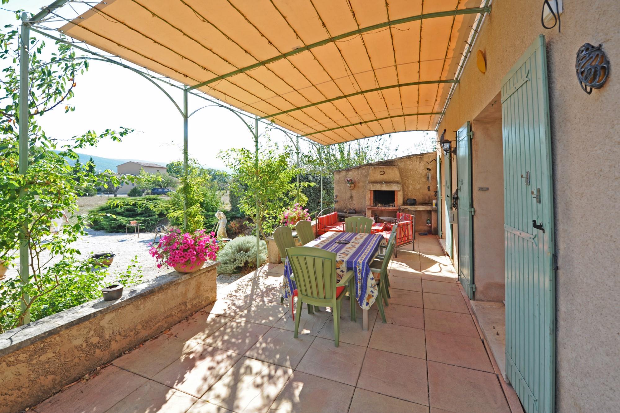 Villa provençale de plain pied à la vente chez ROSIER