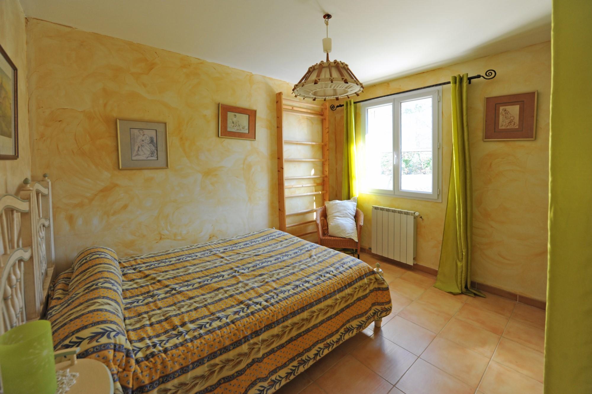 A vendre au coeur du Luberon, villa avec piscine et vue sur le Luberon