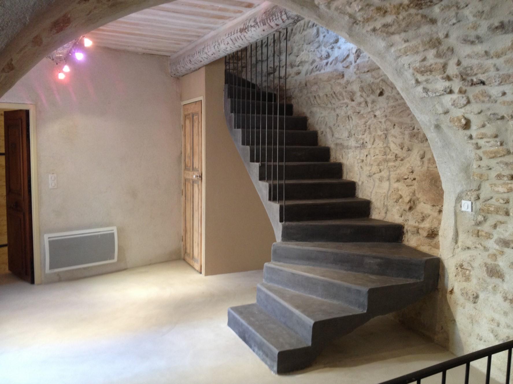 Ventes Maison de village rénovée à vendre au cœur de Châteauneuf-du ...
