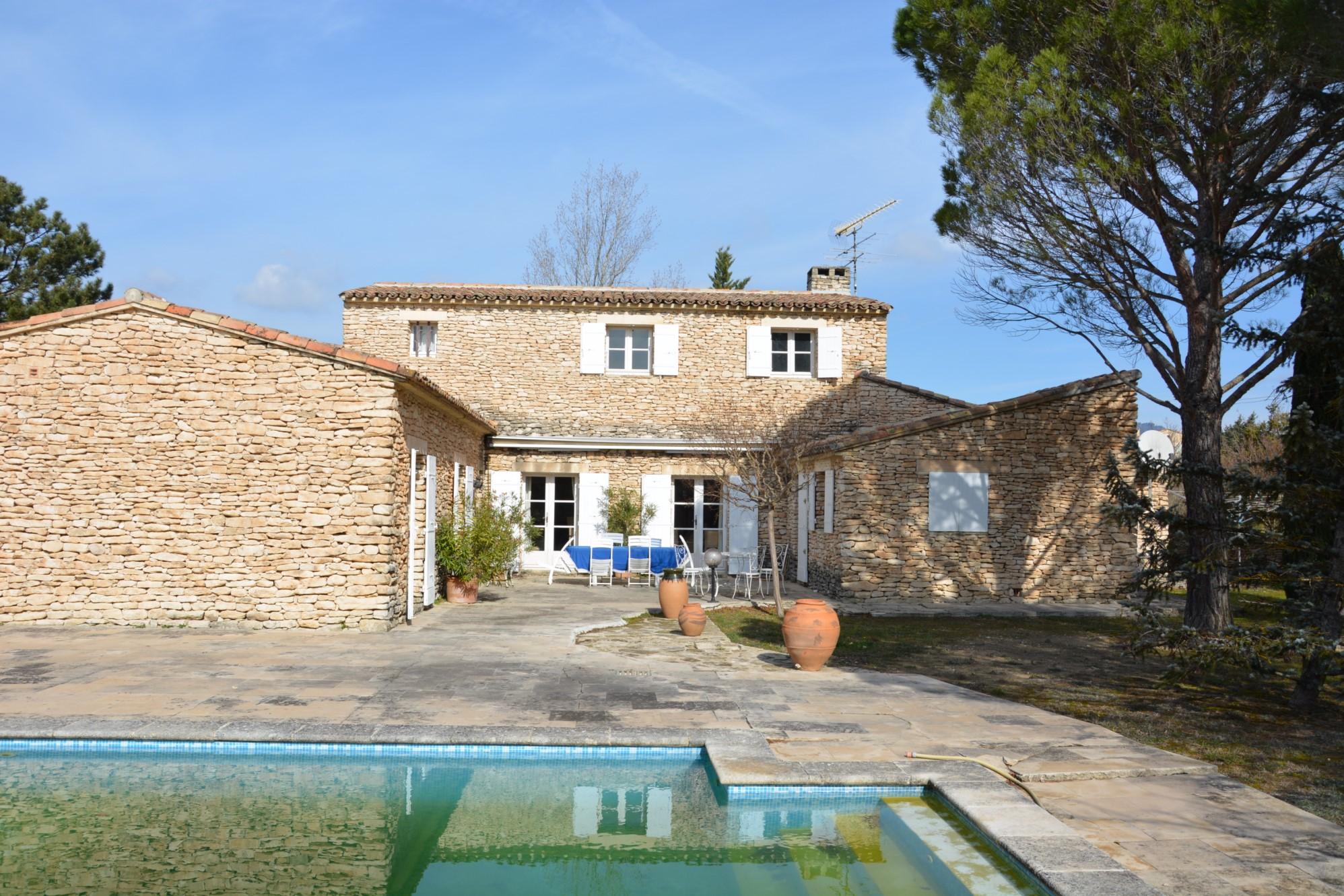 Villa en pierres à vendre à Gordes