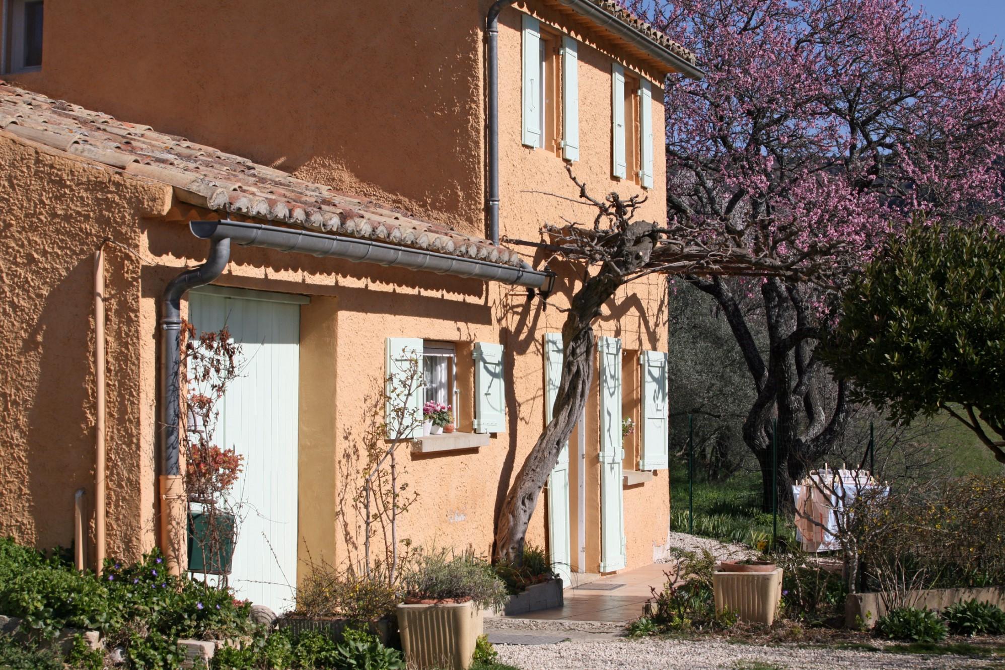 Maison de hameau au coeur du Luberon