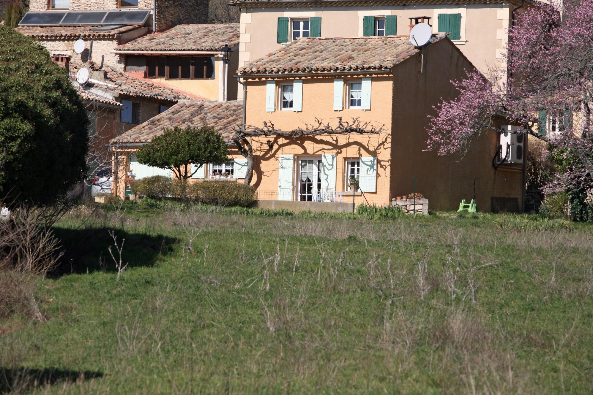 Maison de hameau au cœur de la Provence