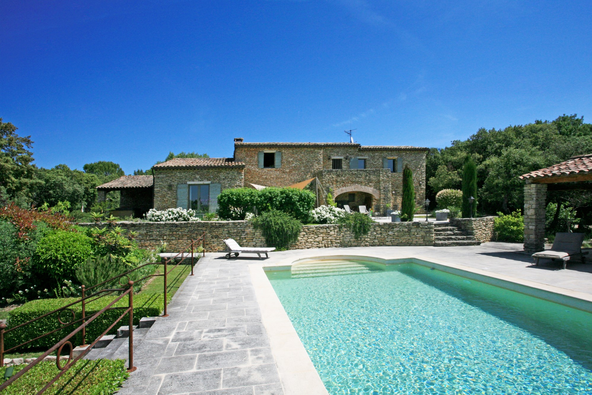 for sale in luberon superb property with 2 houses swimmong pool