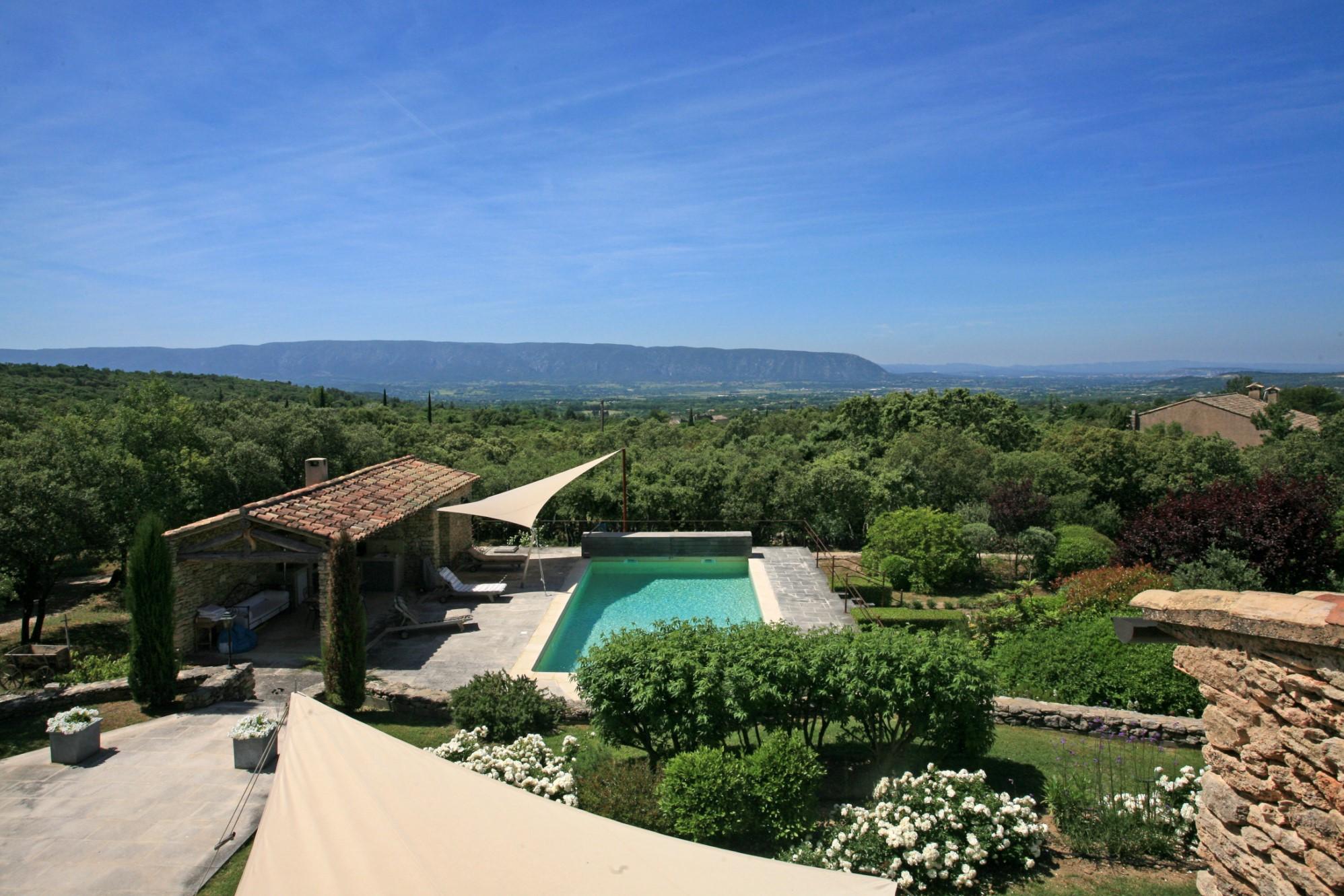 Maison avec piscine et vue sur le Luberon et les Alpilles à vendre en Provence