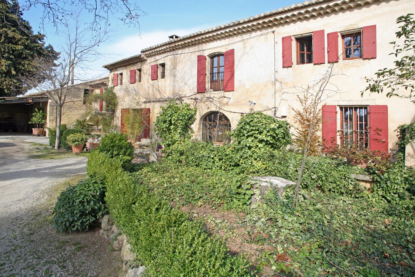 Mas sur terrain de 4000 m² en Provence