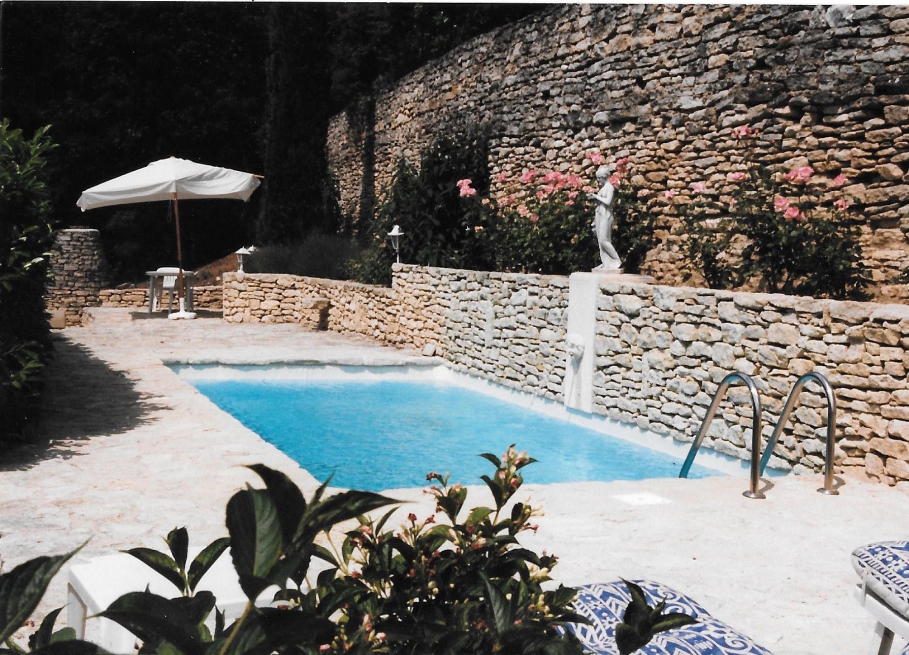 Maison avec local commercial et piscine