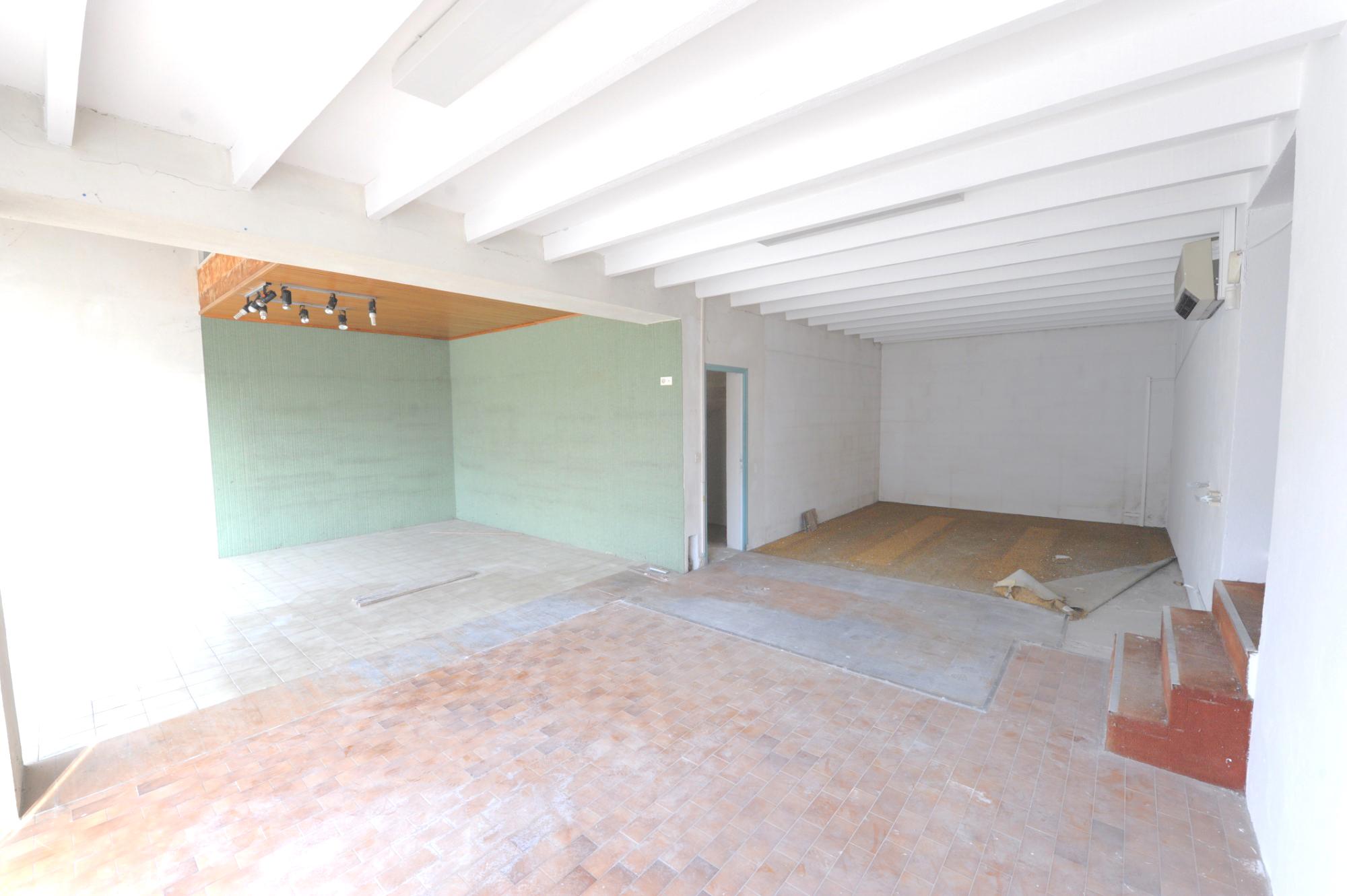 Maison avec local commercial en Luberon