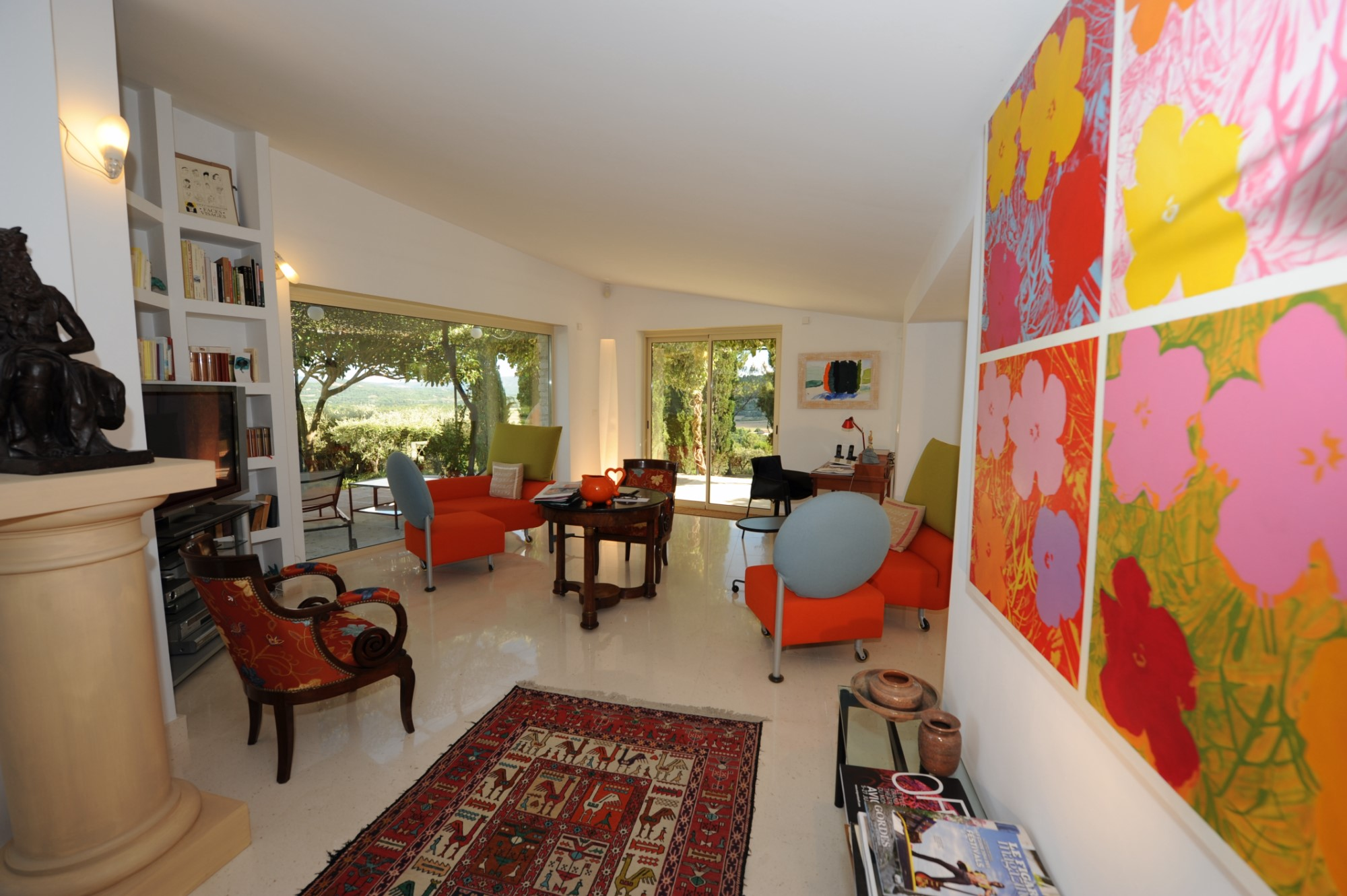 A vendre, au coeur du Luberon, maison contemporaine à 2 pas du village