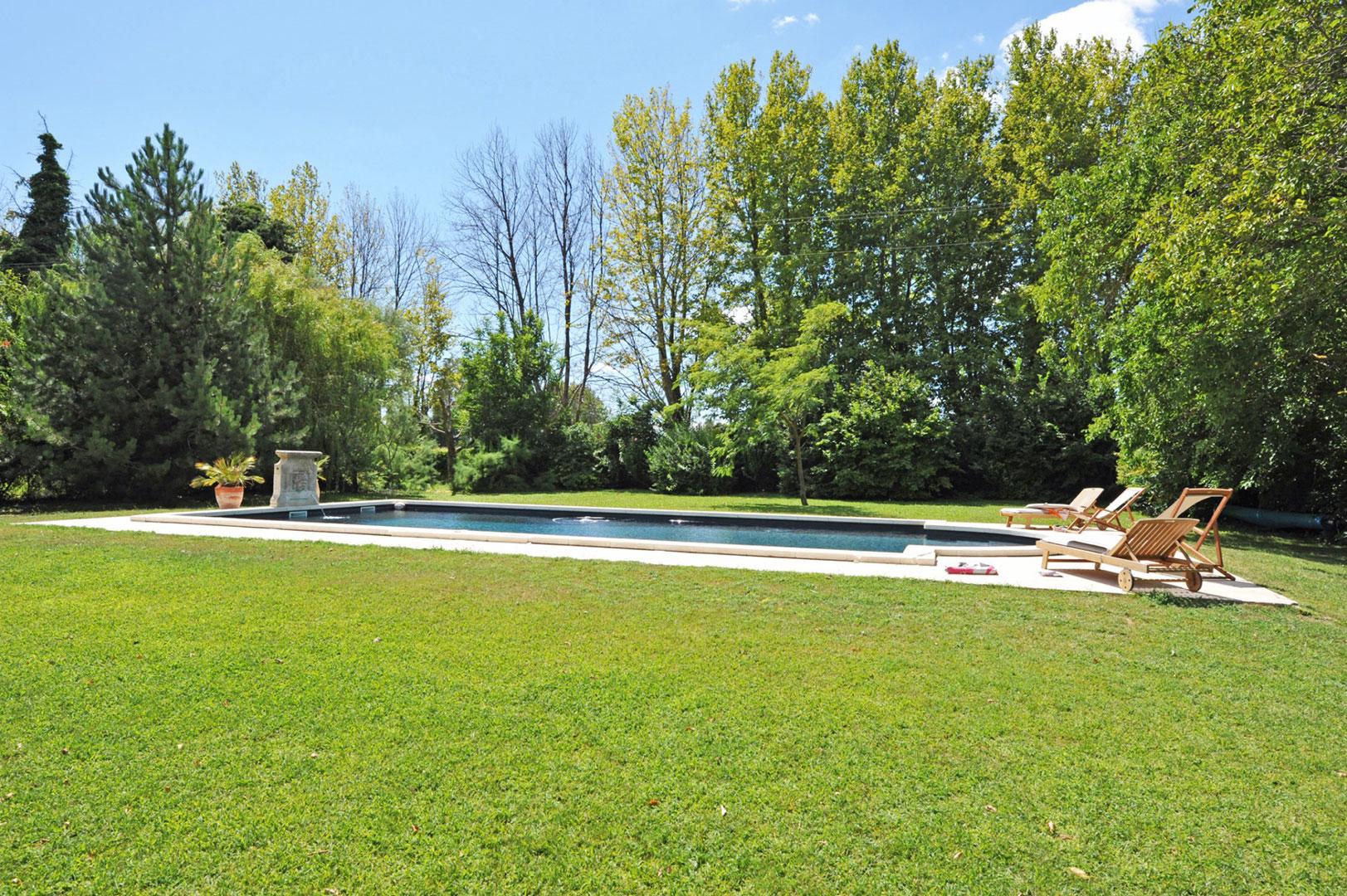 Mas rénové avec piscine en Provence
