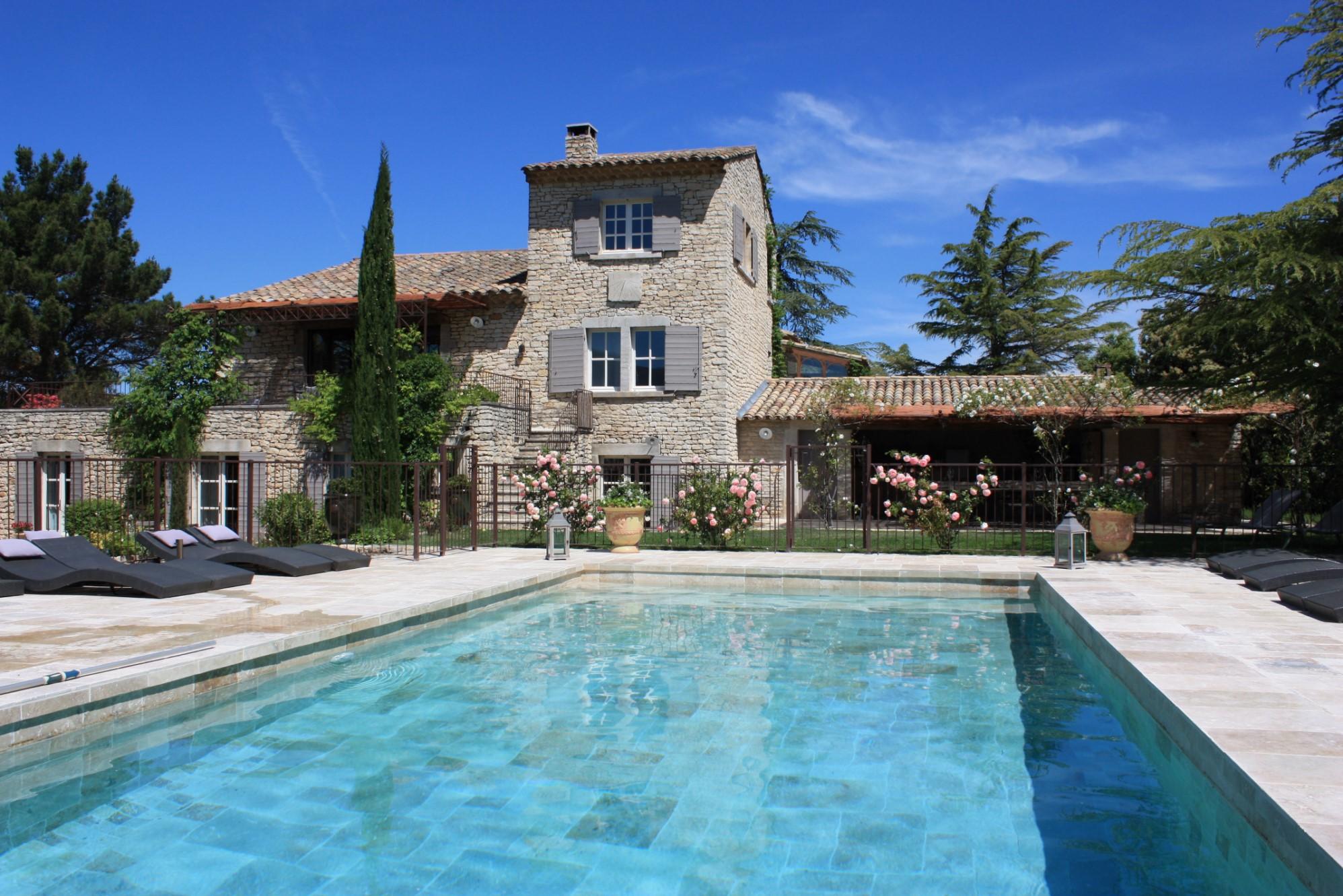 Propriété avec piscine dans le Luberon