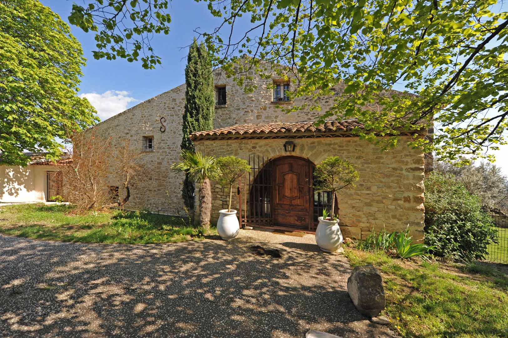 South Luberon, for sale, organic olive farm with guest house, pool and views
