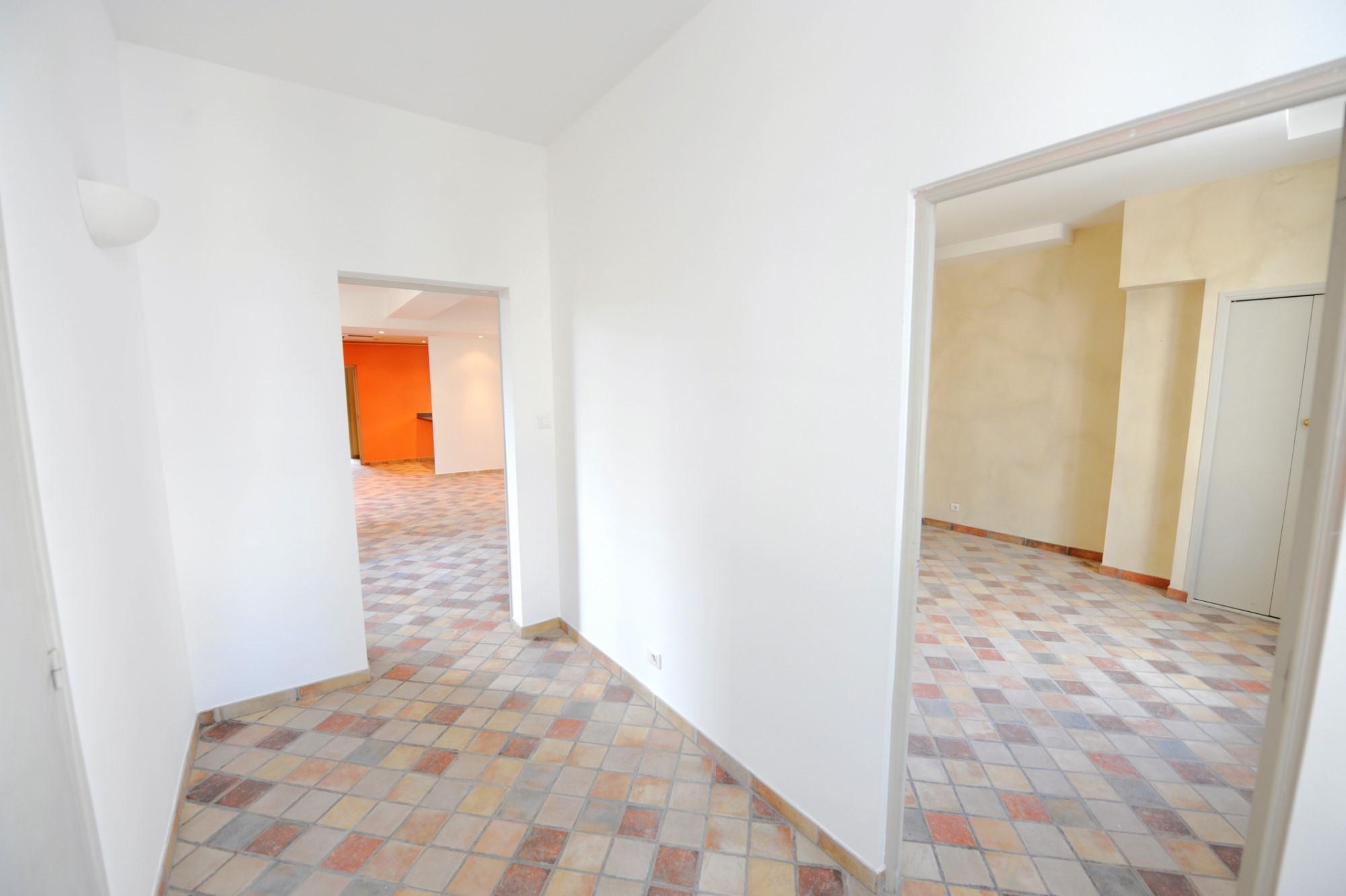 Avignon Intra-Muros, appartement T4 à vendre dans hôtel particulier