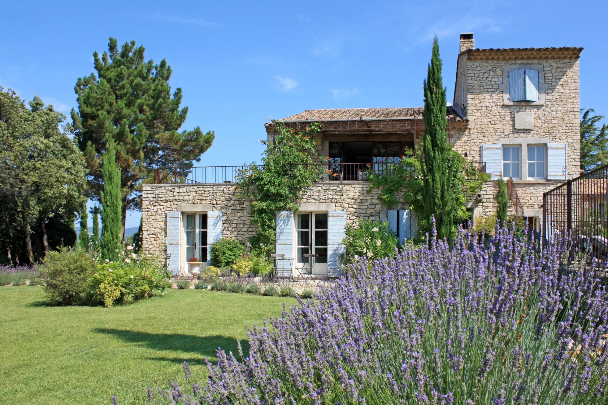 Ventes Grande maison de famille sur un oppidum avec vue, en vente en Luberon - Agence Rosier