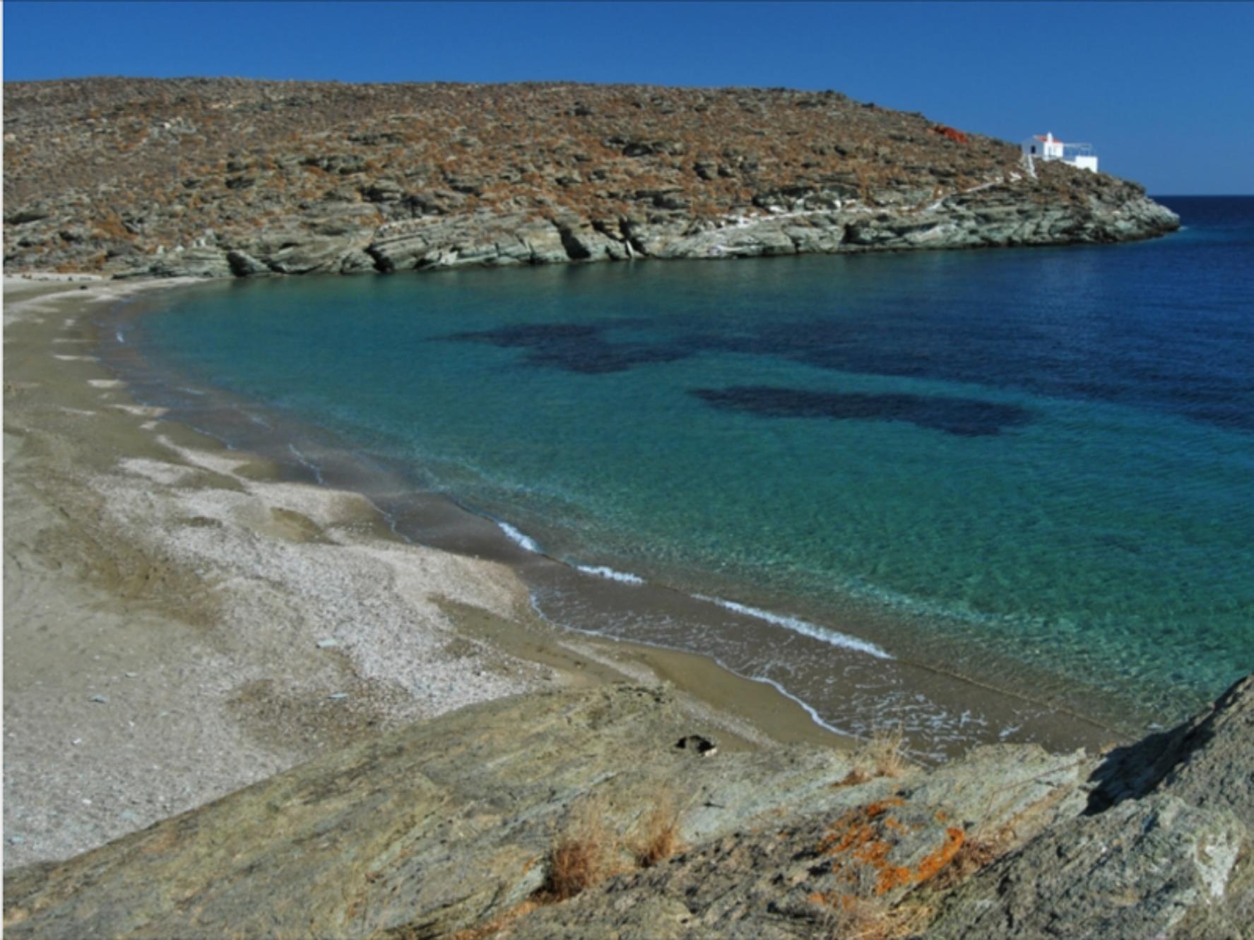 Maison au bord de la mer Egée