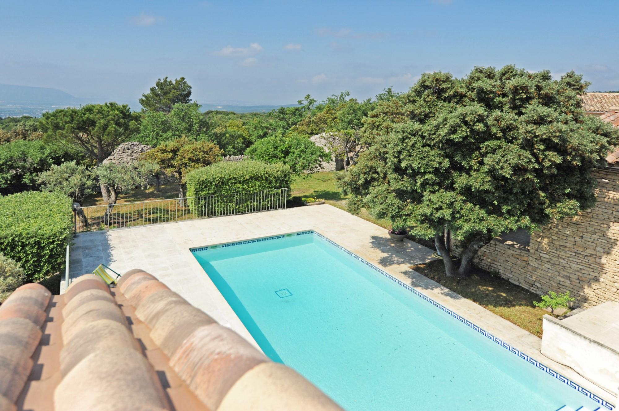 Maison à vendre à Gordes, avec piscine et vue sublime
