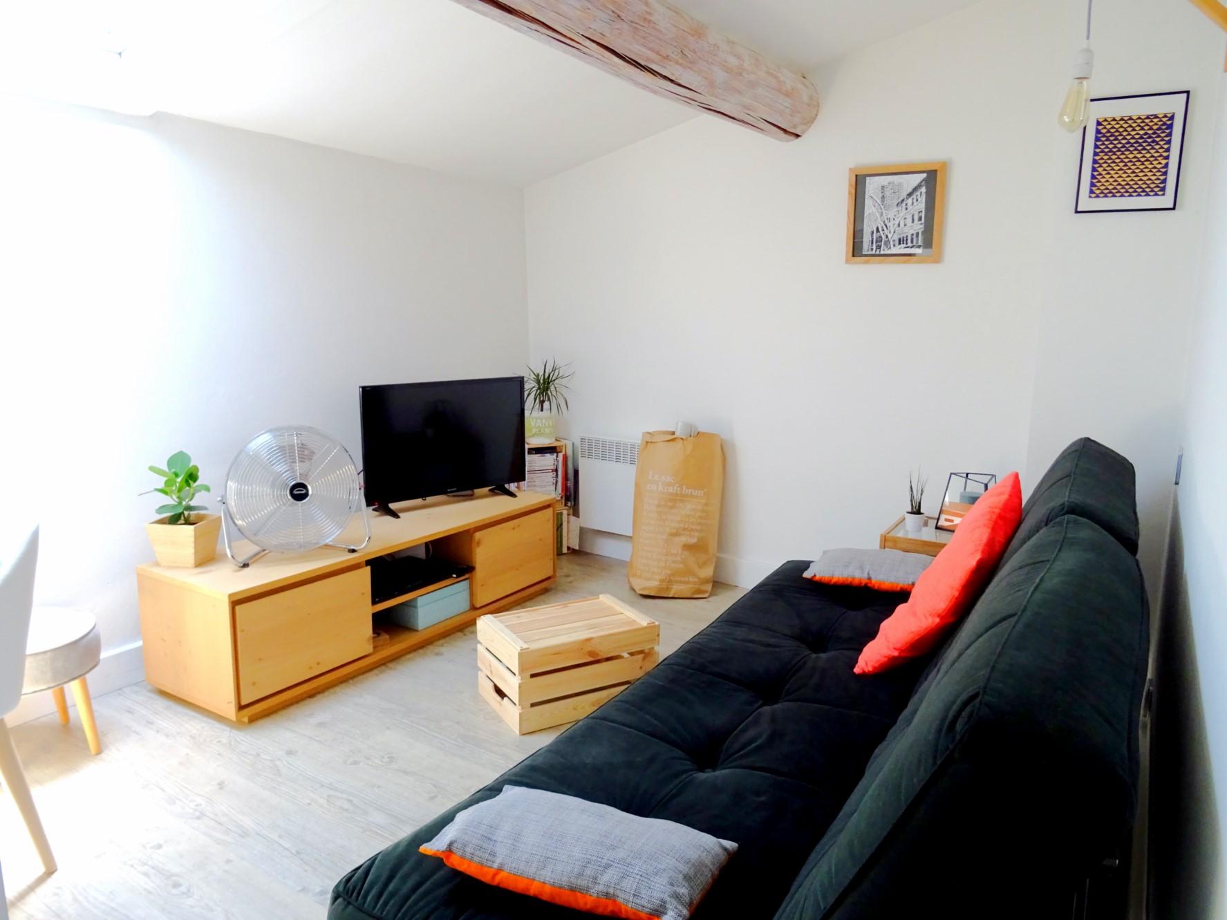 Duplex meublé avec terrasse à vendre au cœur de l'Isle sur la Sorgue