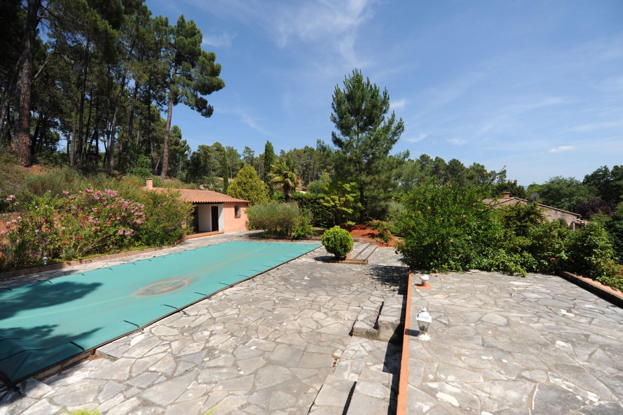 Maison avec piscine à Roussillon