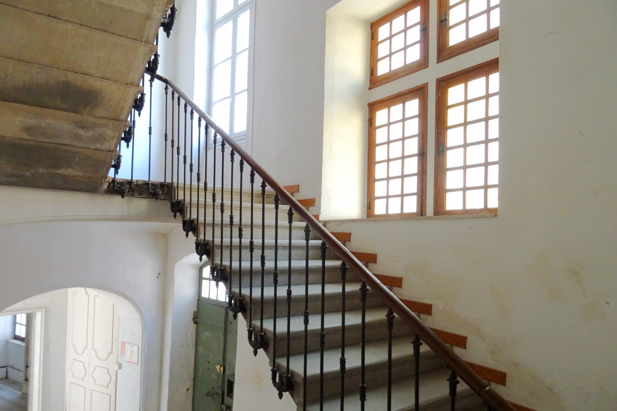 Pont-Saint-Esprit, à vendre, hôtel particulier dans le quartier historique