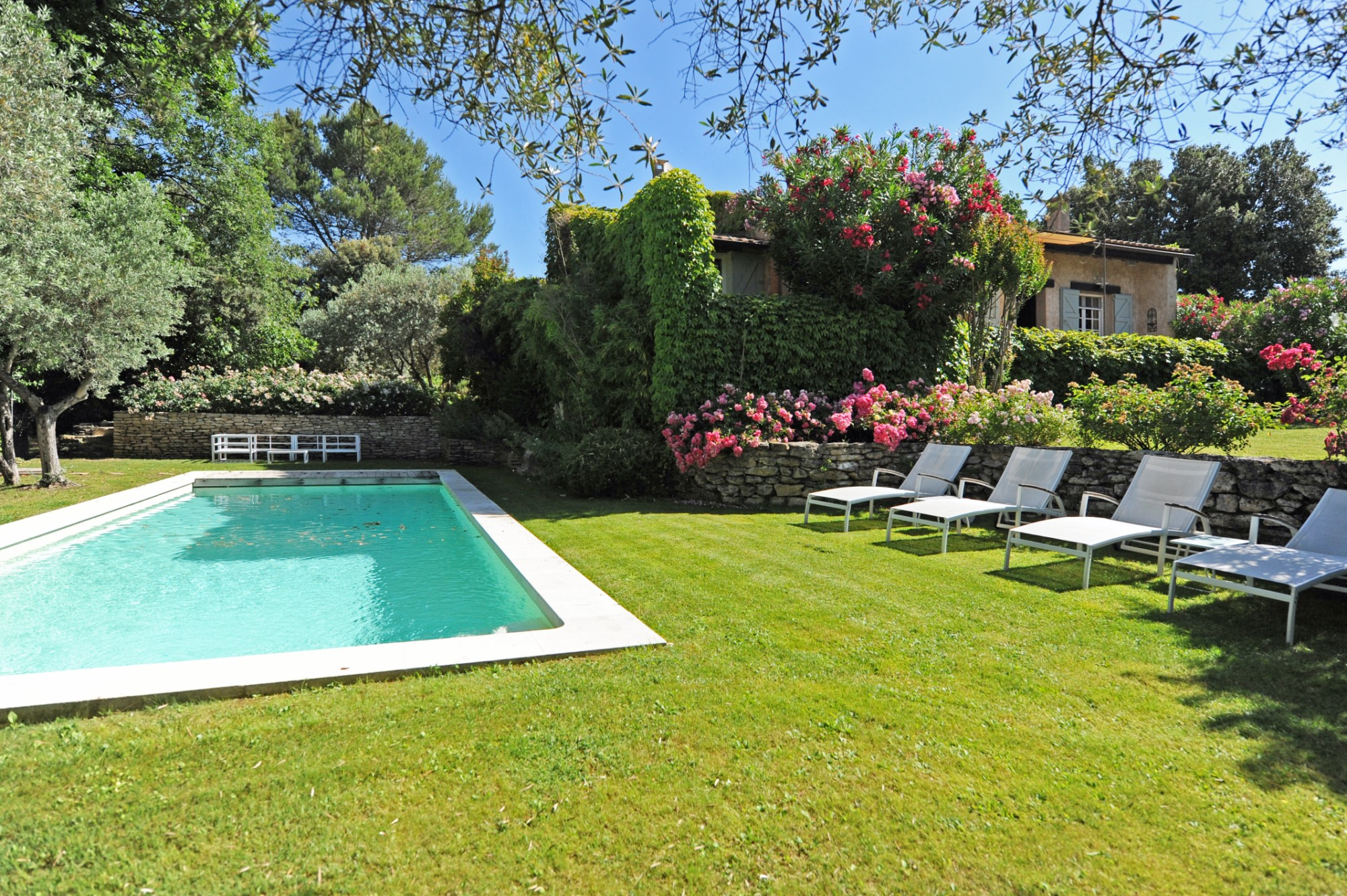 Propriété avec piscine en Luberon