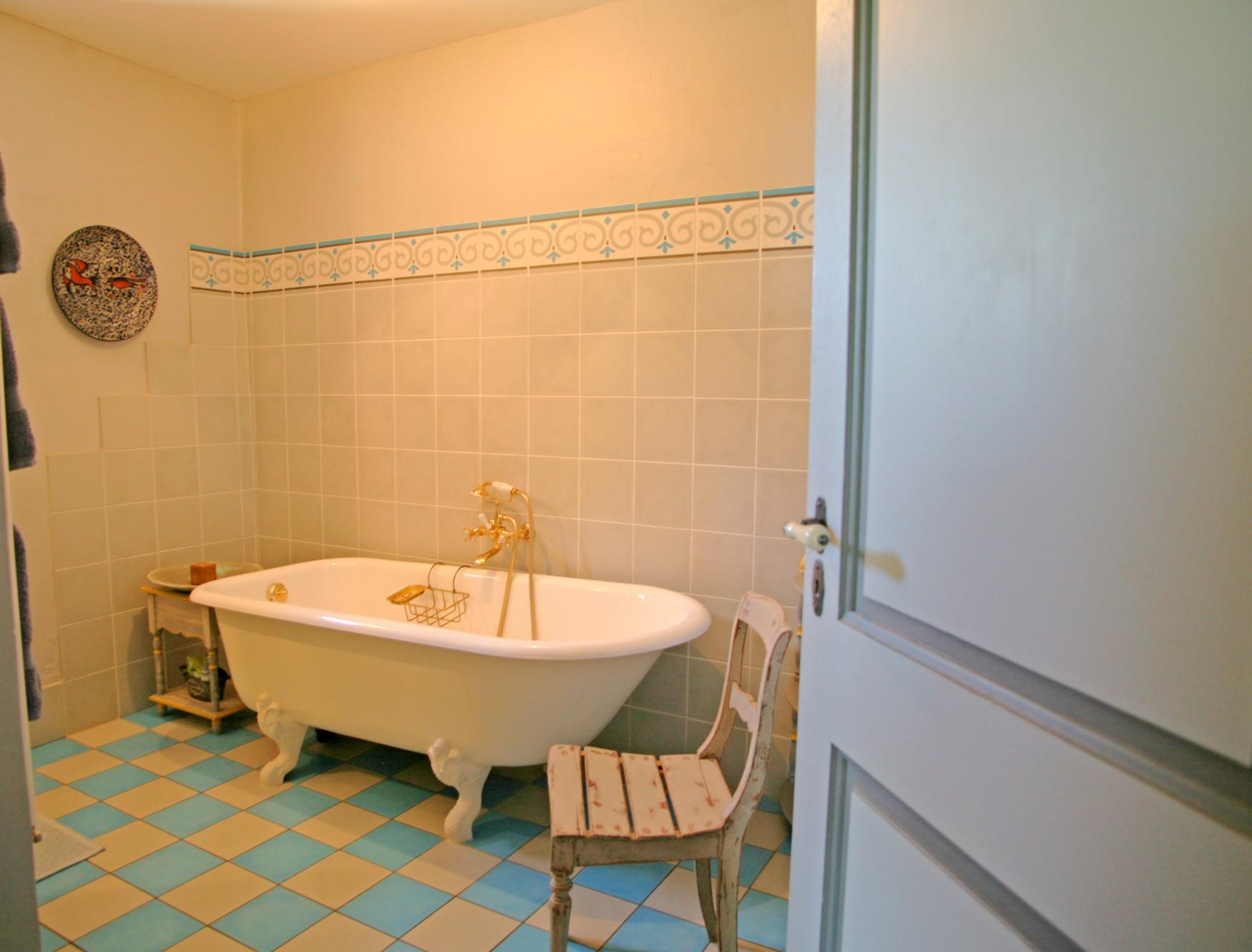 A vendre, Luberon, superbe bastide avec piscine sur presque 7 hectares de terrain